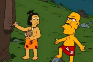 """Bonus: """"Las historias más mojadas jamás contadas"""" (17×18): Tras esto, se muestra a un aborigen que se llama """"Señor Carafea"""" y que dice, """"así no es mi cara"""". Foto:Captura Youtube. Imagen Por:"""