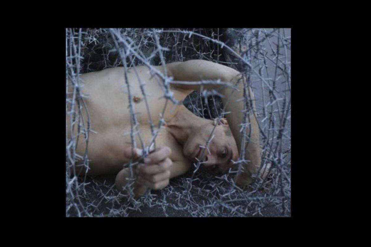 Por el último podría obtener 15 días de cárcel o hasta cinco años. Foto:Vía facebook.com/Petr-Pavlensky. Imagen Por: