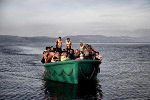 Turquía, que alberga 2,2 millones de refugiados sirios, es el principal punto de salida de los migrantes que se arriesgan a cruzar el mar en dirección a las islas de Grecia, país de entrada a la Unión Europea. Foto:AFP. Imagen Por: