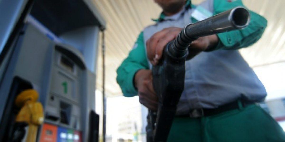 Hasta $2,7 bajan las bencinas este jueves