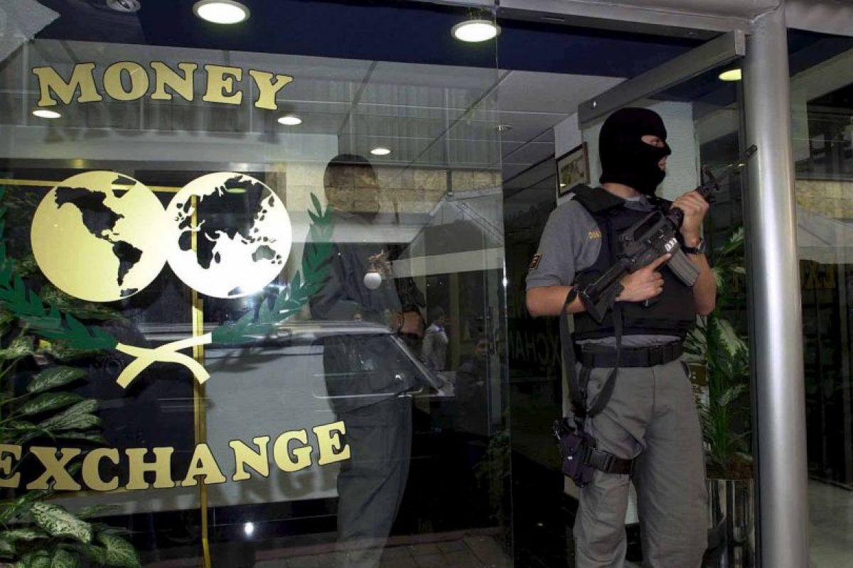 Otro método es el lavado de dinero realizado directamente en bancos Foto:Getty Images. Imagen Por: