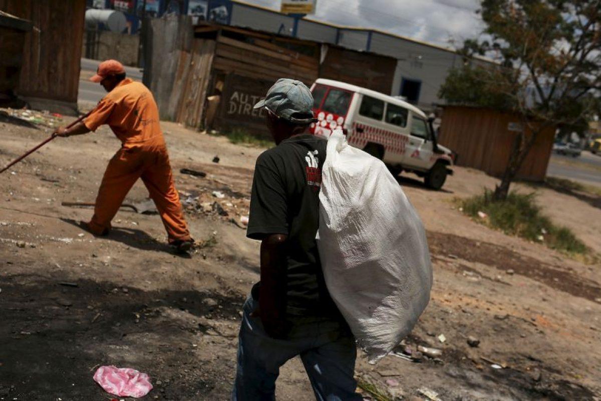 Otro método no menos común es enterrar el dinero Foto:Getty Images. Imagen Por: