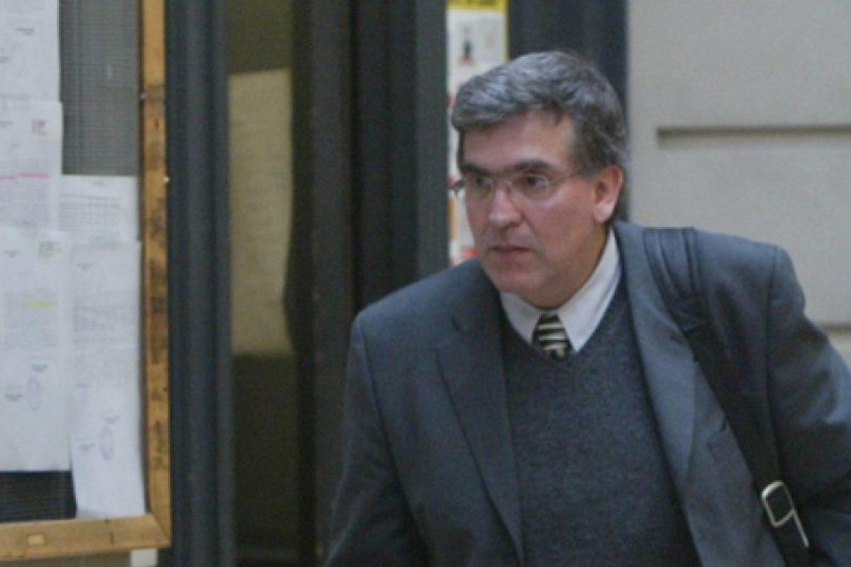 Era 2003 cuando el ministro de la Corte de Apelaciones de Santiago, Daniel Calvo, asumió el Caso de Claudio Spiniak, empresario acusado de pedofilia, producción de material pornográfico y promotor de prostitución infantil. Foto:Agencia Uno. Imagen Por: