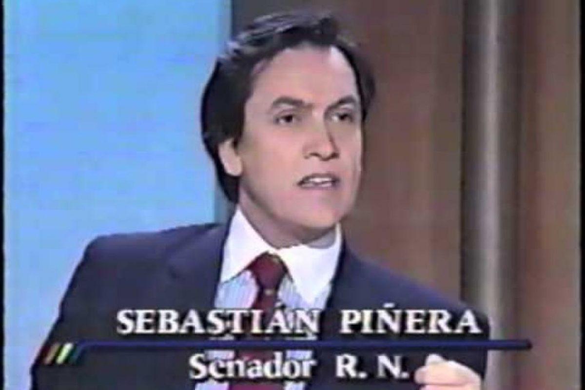 """Ahí se escucha la voz de Piñera diciendo """"la gracia es que trate elegantemente de dejarla (a Matthei) como una cabrita chica, cierto, despistada, que está dando palos de ciego, sin ninguna solidez, me entendís tú ¿o no?"""". Foto:Reproducción. Imagen Por:"""
