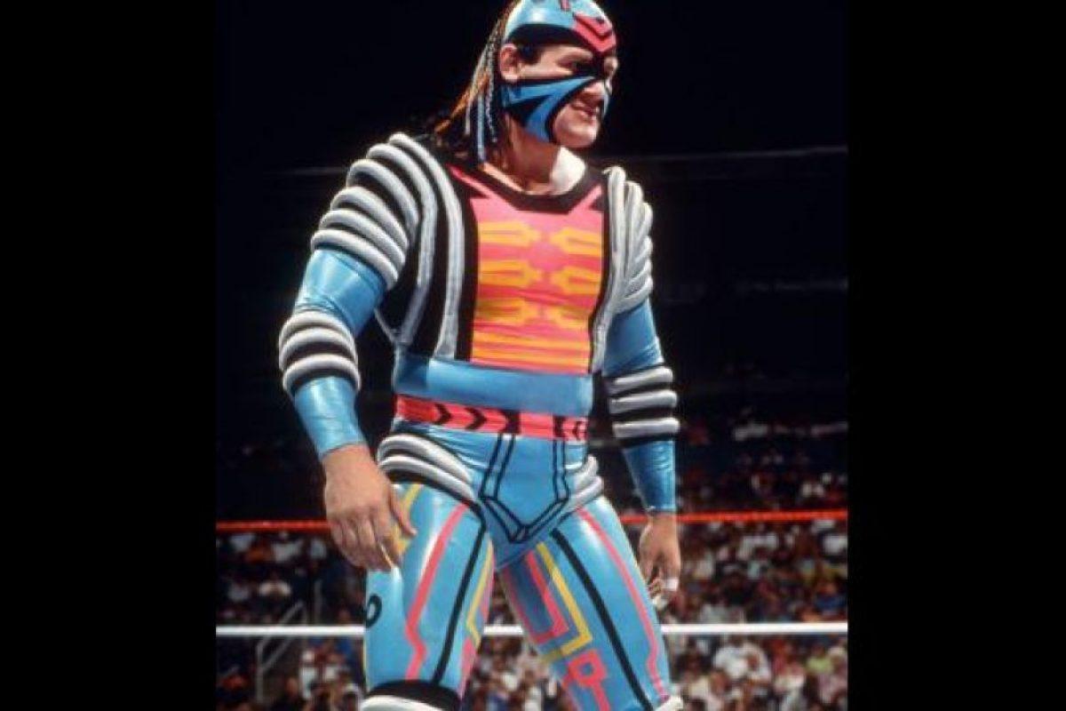 9. Max Moon / Tantas formas y tanto color hicieron que su traje se viera más que exótico. Foto:WWE. Imagen Por: