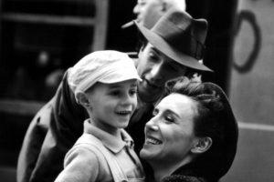 """¿Se acuerdan del pequeño """"Giousé"""", en """"La Vida es Bella""""? Foto:vía Getty Images. Imagen Por:"""