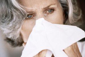 Estornudar implica sonarse luego y soltar mocos. Foto:vía Getty Images. Imagen Por: