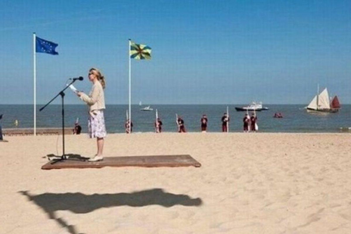 Ni ella vuela en una alfombra. Foto:Reddit. Imagen Por: