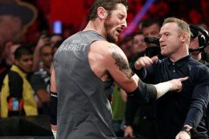 King Barrett fue abofeteado por Wayne Rooney en el espectáculo de RAW en Manchester. Foto:WWE. Imagen Por: