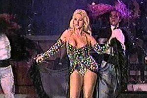 Laura León se hizo famosa desde los años 70 no solo por actuar sino también por cantar. Foto:vía Youtube. Imagen Por:
