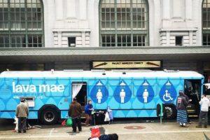 La organización Lava Mae cree que el acceso a duchas y aseos no debe ser un lujo. Foto:Vía facebook.com/LavaMae.org. Imagen Por: