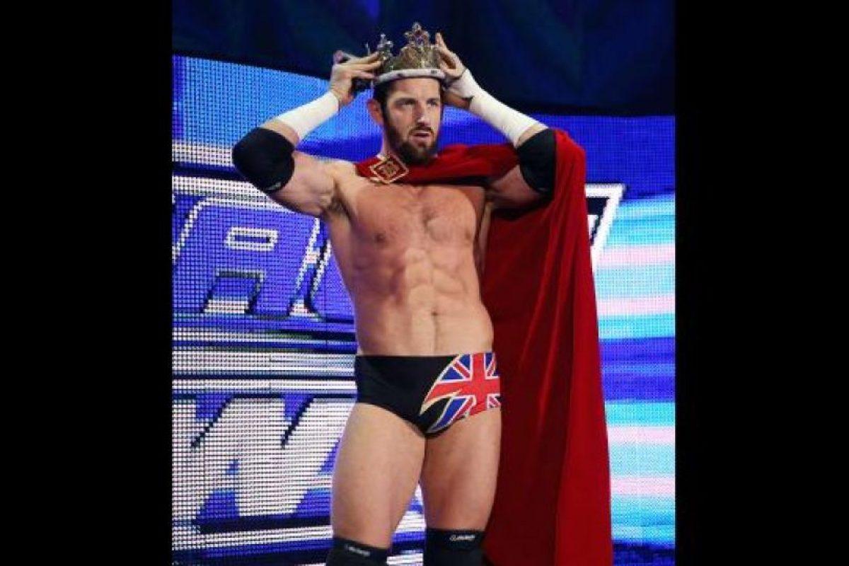 Entre sus logros también está el ser el ganador de la primera temporada de NXT. Foto:WWE. Imagen Por: