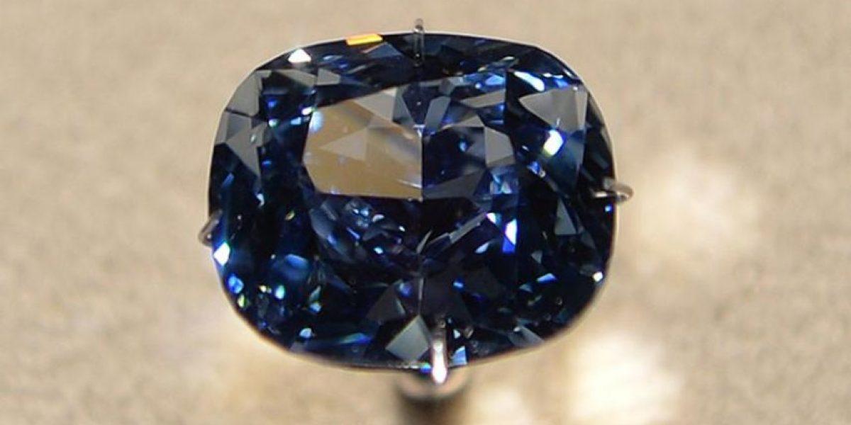 Pagaron 48 millones de dólares por el diamante más caro del mundo