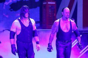 """""""Taker"""" y Kane, los """"Hermanos de la Destrucción"""", se presentarán en Survivor Series Foto:WWE. Imagen Por:"""