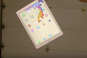 iPad Pro en una prueba de resistencia. Foto:vía TechRax / YouTube. Imagen Por:
