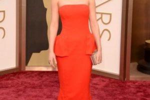 Justo un año después, Lawrence nuevamente tropezó en la alfombra roja de los premios Oscar. Foto:Getty Images. Imagen Por:
