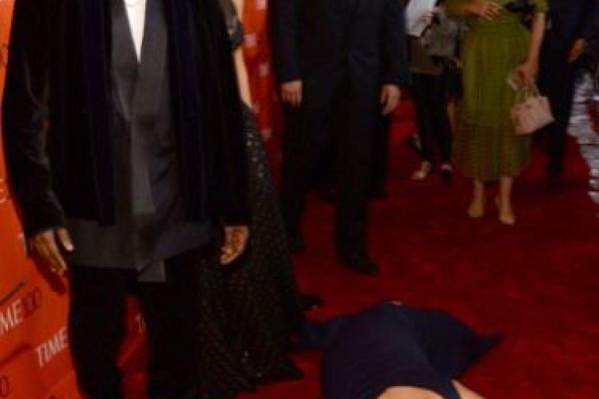 Amy Schumer se lanzó al suelo a propósito para molestar a Kim Kardashian y Kanye West en la ceremonia de Time 100 en abril de 2015. Foto:Getty Images. Imagen Por: