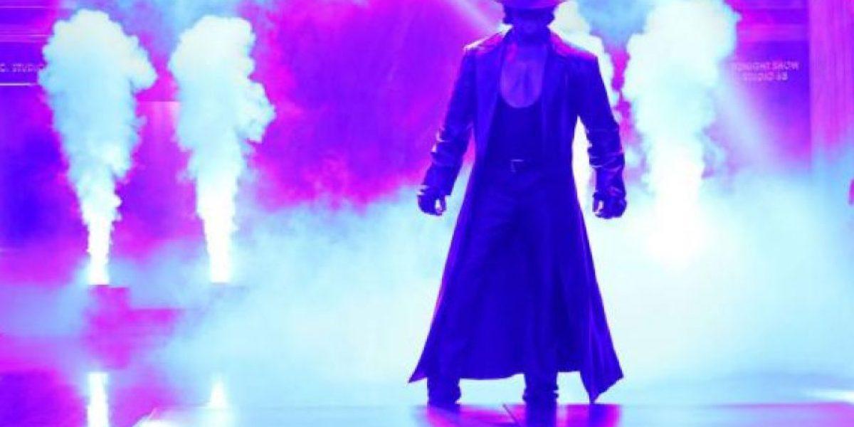 Undertaker le rompió el cuello a un