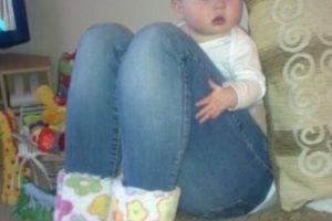 Este bebé no tiene piernas de una joven. Foto:Imgur. Imagen Por: