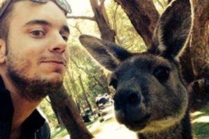 Con un canguro. Foto:Vía Instagram/#amazingselfie. Imagen Por: