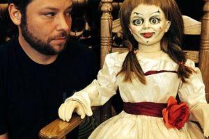"""Aquí una foto de Vincent con otro famoso juguete del cine de terror: """"Annabelle"""". Foto:vía instagram.com/alex_vincent. Imagen Por:"""