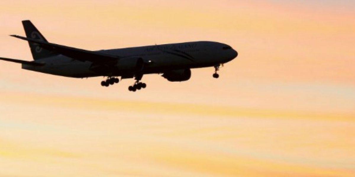 Científicos revelan por qué la comida de avión sabe mal