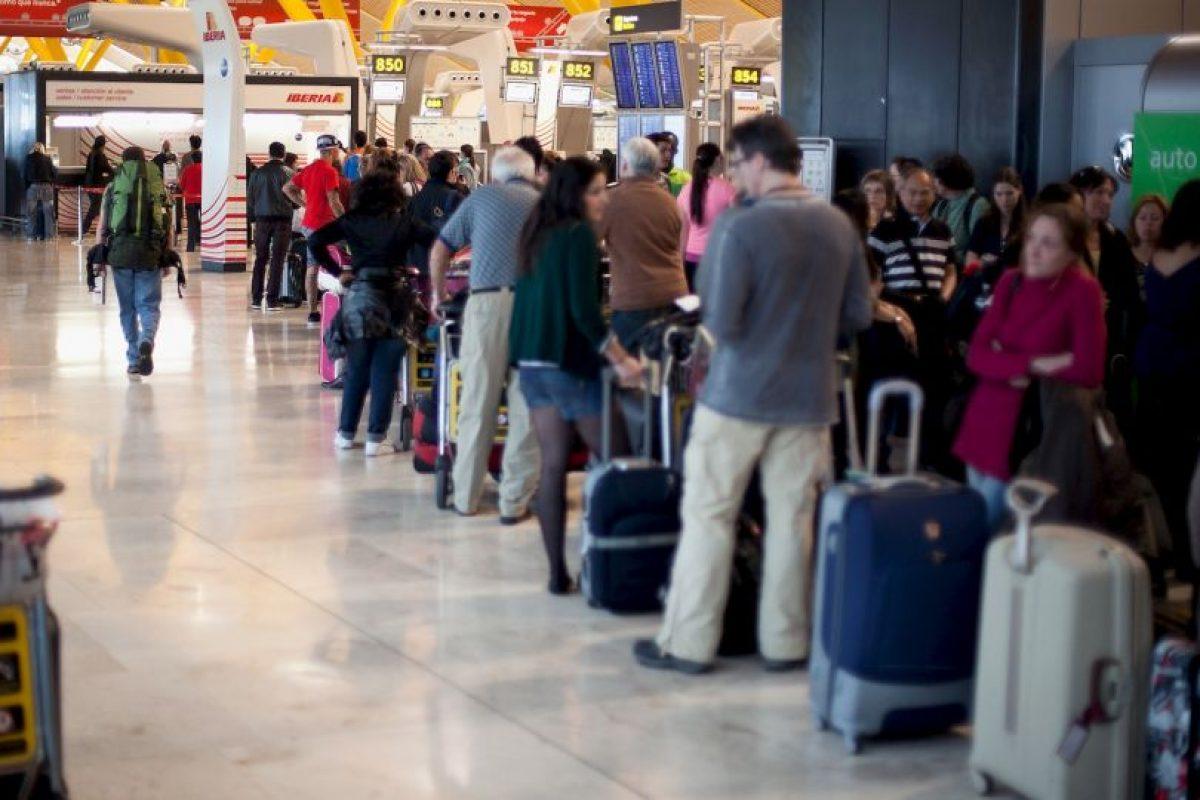 7. Los que golpean a los demás con su equipaje de mano (38%). Foto:Getty Images. Imagen Por: