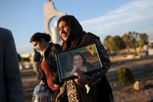 Decenas de Yazidíes regresaron este día a la ciudad de Sinyar, en Irak. Foto:Getty Images. Imagen Por: