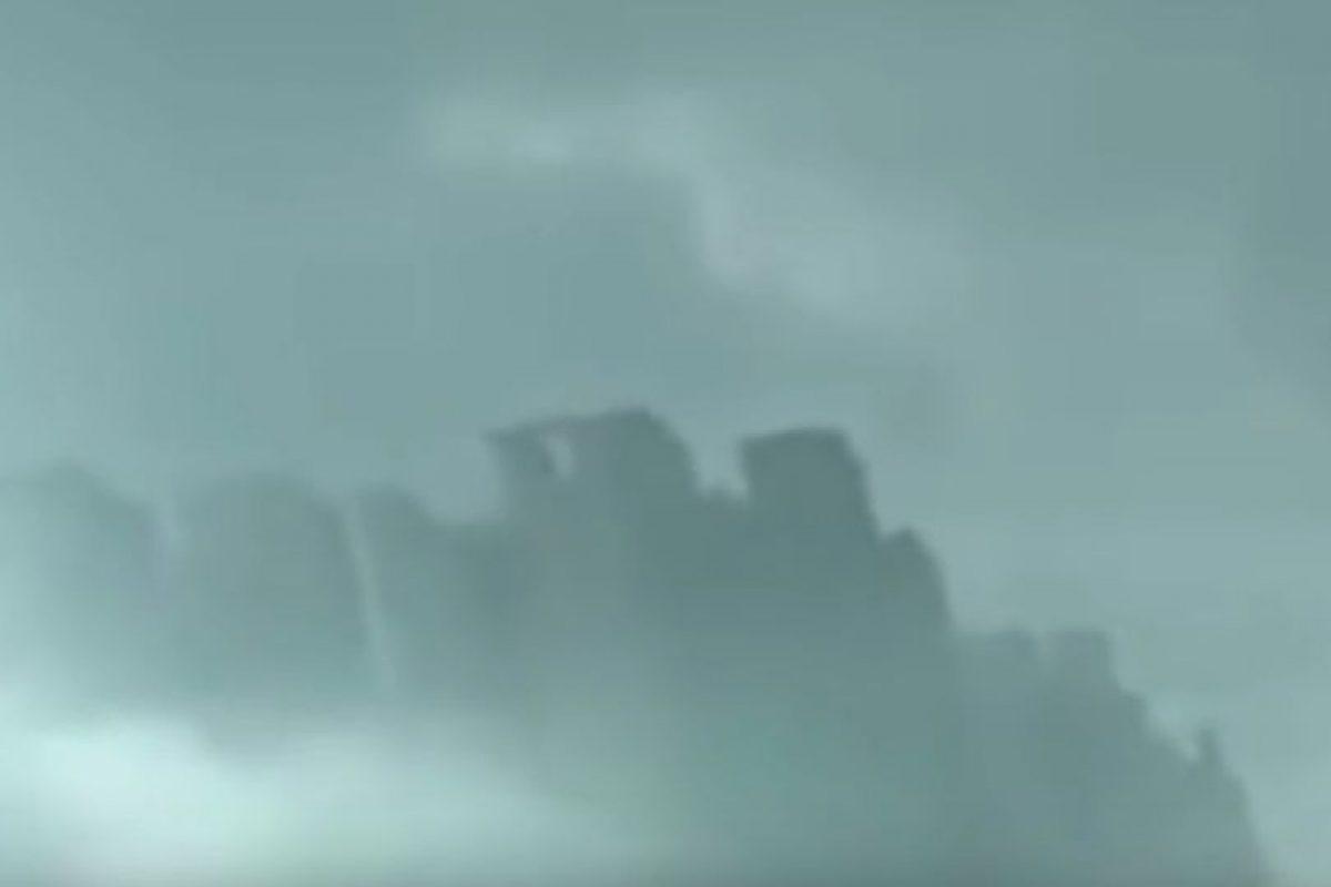 """4. """"Ciudad flotante en China"""" Foto:Vía Youtube UFOSightings2010. Imagen Por:"""