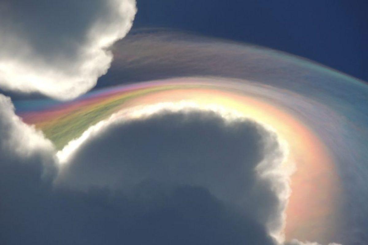 5. Este fenómeno se conoce como nube iridesente, fue registrada en Jamaica este mes. Foto:Vía Facebook.com/beckie.dunning. Imagen Por: