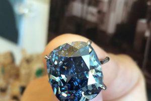 Este diamante costó 48.4 millones de dólares Foto:Vía instagram.com/sothebys. Imagen Por: