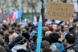 También se llevaron a cabo marchas a favor de la libertad de expresión. Foto:AFP. Imagen Por: