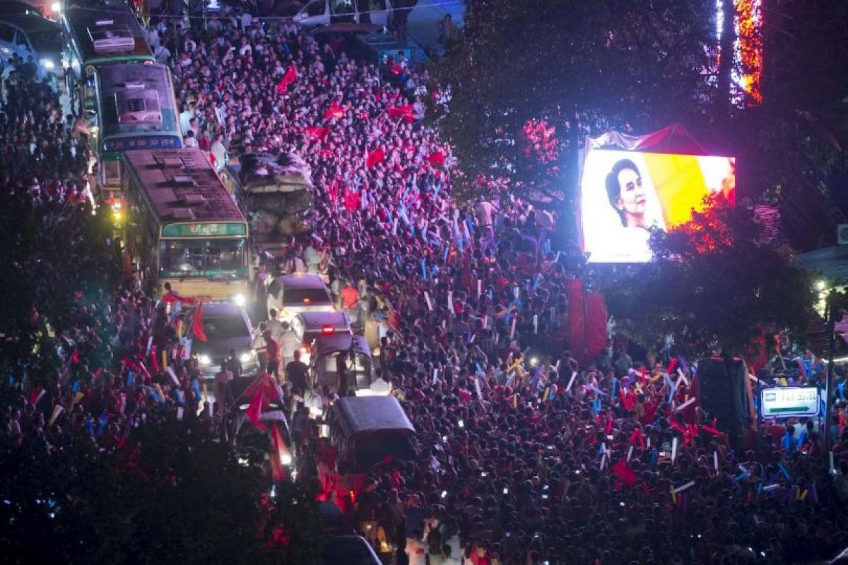 Caravana política en Myanmar. Foto:AFP. Imagen Por: