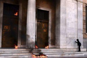 Protestas en el Banco de Grecia Foto:AFP. Imagen Por: