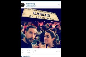 """Muchos parisinos se preparaban para el concierto de la banda """"Eagles of Death Metal"""". Este Instagramer, juistviking, estaba justo antes de la tragedia. Ahora su foto se hizo viral y todos ruegan porque no haya muerto. Foto:vía Instagram. Imagen Por:"""