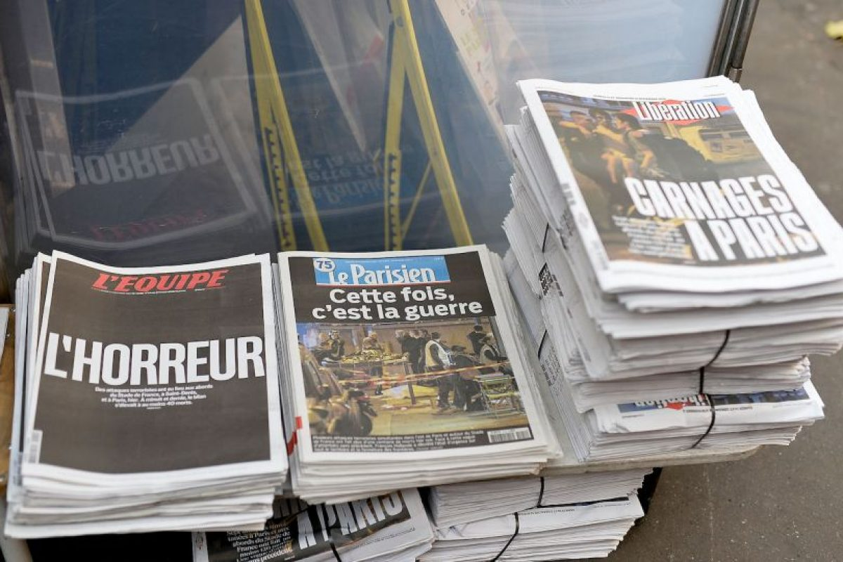Los diarios narraban el horror del día anterior. Foto:Getty Images. Imagen Por: