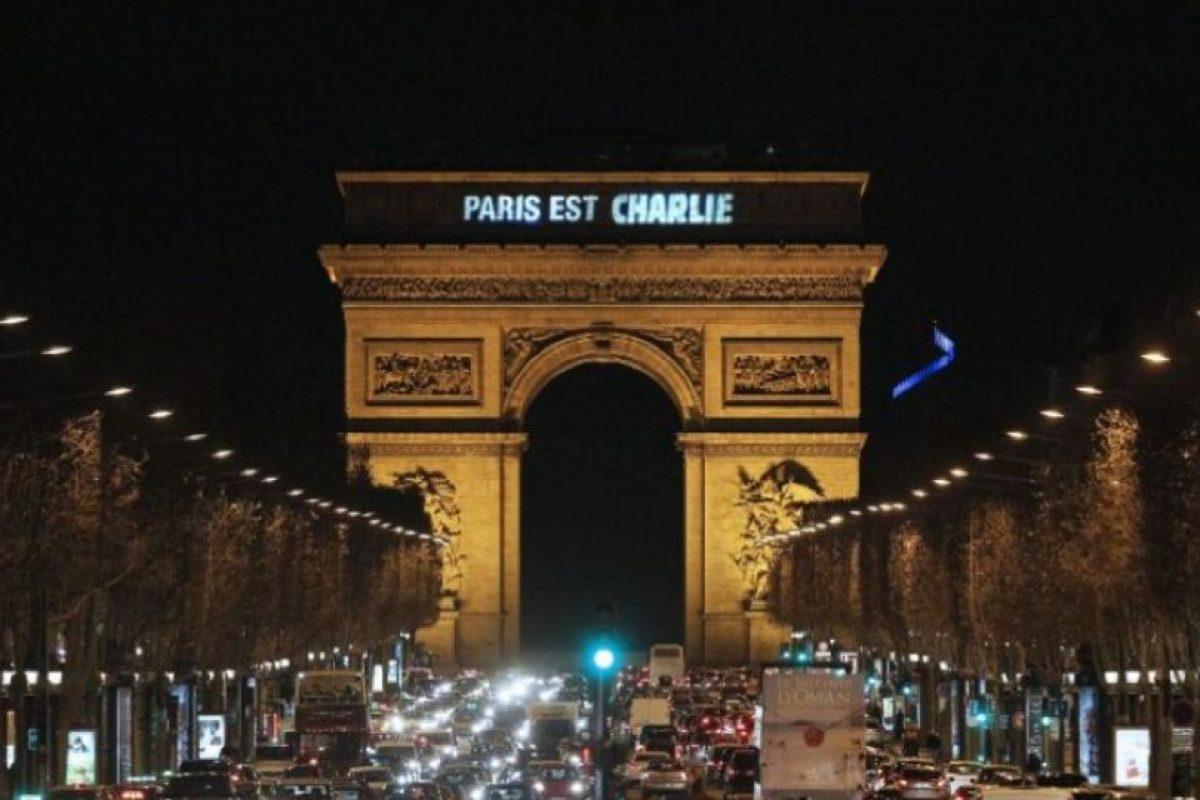 Los tributos se realizaron en múltiples lugares del país. Foto:AFP. Imagen Por: