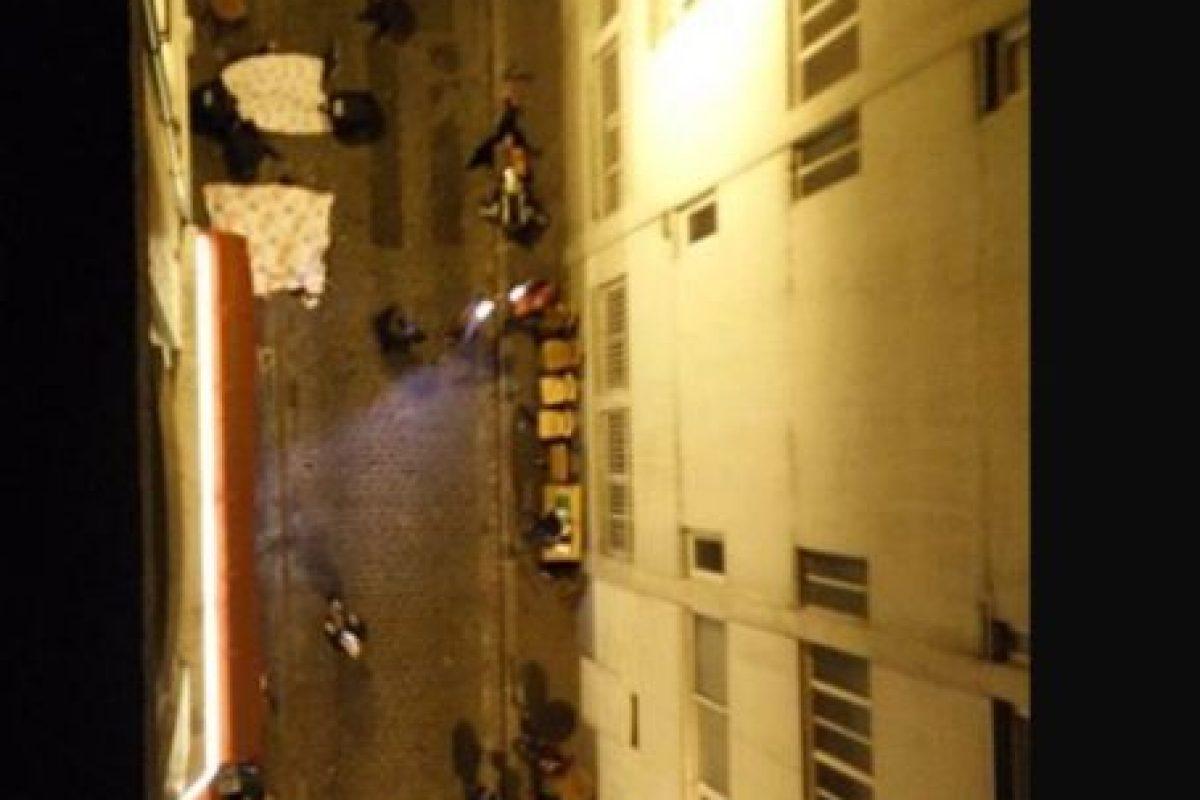 Así se veían las calles parisinas luego del tiroteo. Foto:vía Twitter. Imagen Por:
