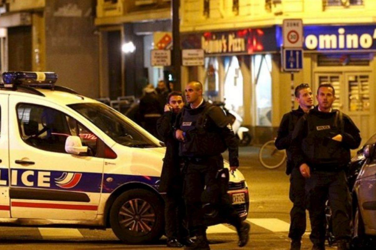 París sigue en caos en la madrugada. Foto:vía Twitter. Imagen Por:
