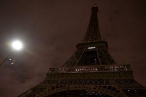 En las noches ha permanecido apagada a modo de duelo por las víctimas de los atentados. Foto:AFP. Imagen Por: