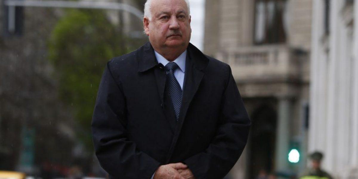 Atacan sede del presidente del PC Guillermo Teillier