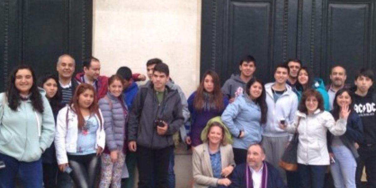 Estudiantes de La Araucanía seguirán adelante con su pasantía en Paris