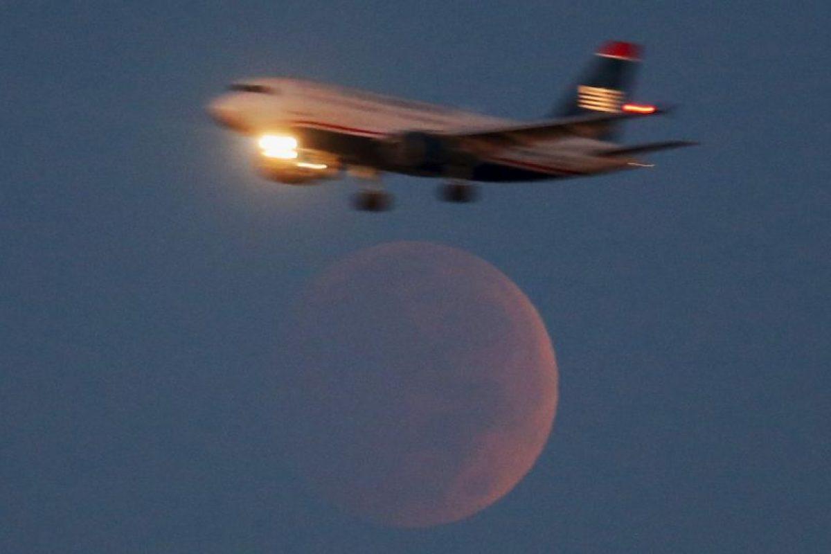"""Las tétradas lunares son cuatro eclipses de luna de forma consecutiva. Y lo impactante de estos fenómenos astronómicos es que durante los eclipses, el satélite de la tierra se tiñe de rojo, por lo que se les conoce como """"lunas de sangre"""". Foto:Getty Images. Imagen Por:"""
