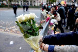 Según reportes de la policía francesa, ya llegó a 129 el número de personas muertas en los ataques, y son 352 los heridos, y el Estado Islámico se atribuyó los hechos. Foto:Getty Images. Imagen Por:
