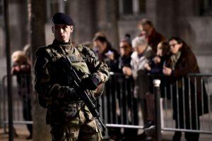 Múltiples policías atendieron la falsa alarma. Foto:Getty Images. Imagen Por: