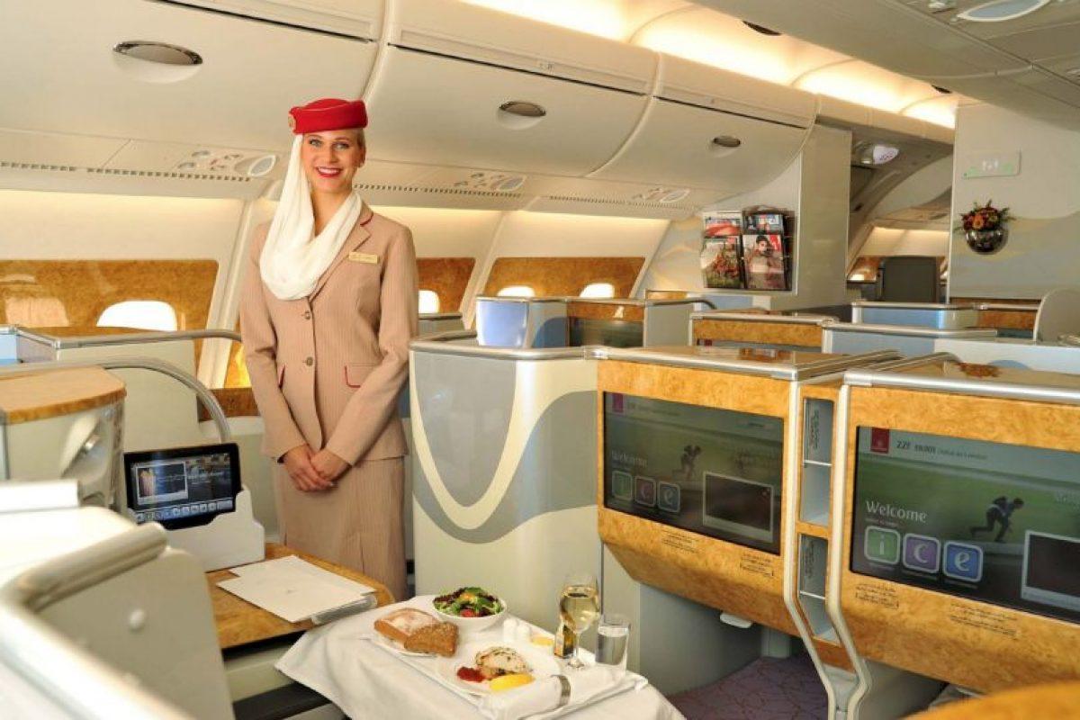 Para adquirir espacio se eliminaron las duchas y algunos asientos de la clase 'business' Foto:Vía facebook.com/Emirates. Imagen Por: