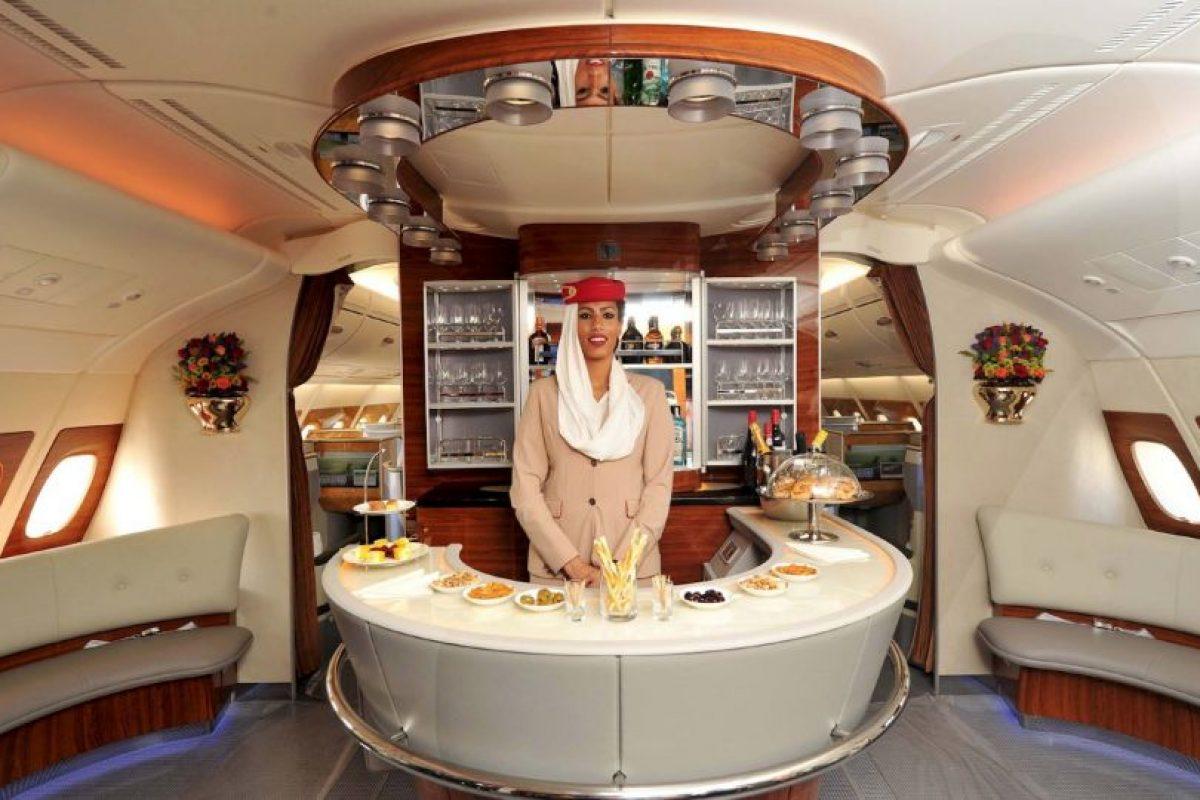 La aeronave comenzará a dar servicio en diciembre Foto:Vía facebook.com/Emirates. Imagen Por: