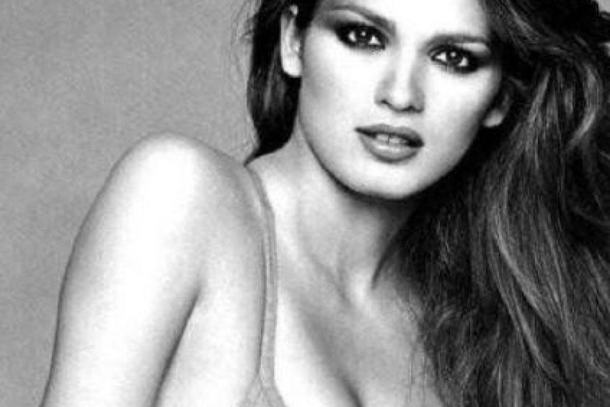 Gia Carangi fue una de las pocas bellezas morenas de comienzos de los 80 que se hizo famosa por ser distinta. Foto:vía Getty Images. Imagen Por: