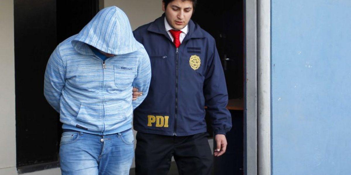 Detienen a dos integrantes de banda que se hacía pasar por la PDI para robar