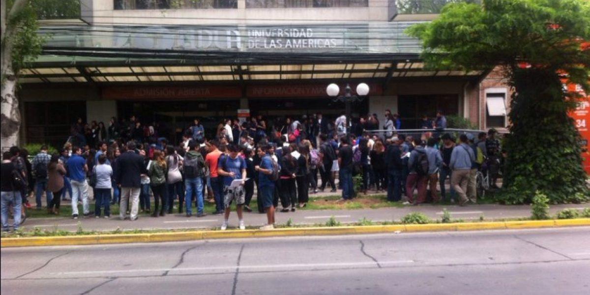 Evacuan sede de Providencia de U. de Las Américas por aviso de bomba